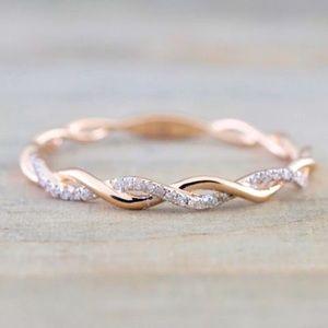 18K rose gold twist ring